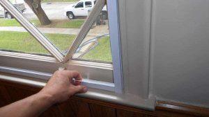 لاستیک های عایق بندی اطراف پنجره